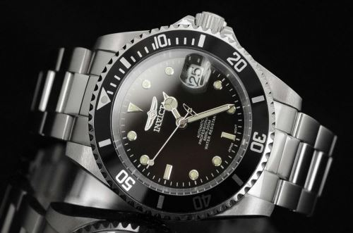 Invicta 8926 close up