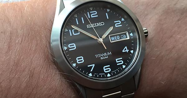Seiko SGG711 on wrist