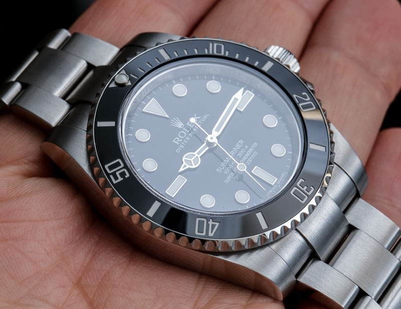 Rolex-Submariner-Black-Dial-114060