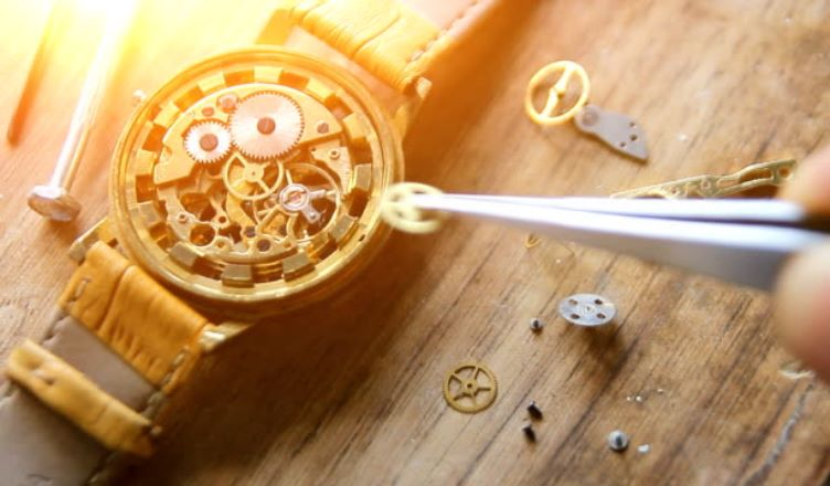 How To Remove Condensation from Watches