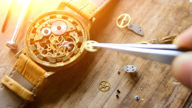 Remove Moisture Out of a Watch under Natural Sunlight