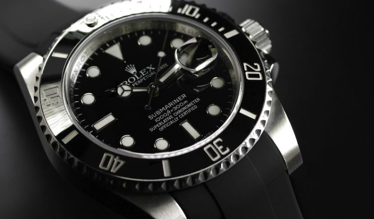 rolex submariner vs invicta 8926ob
