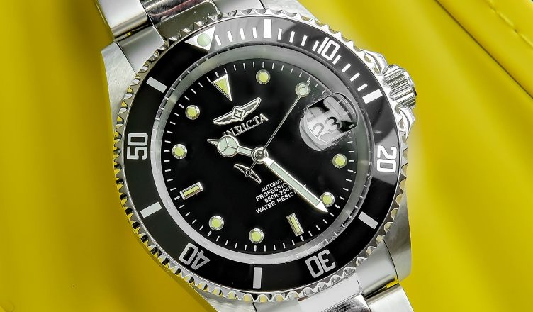 invicta 24760 vs 8926ob