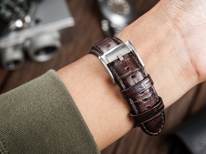 Leather Watchband with buckle in wrist.